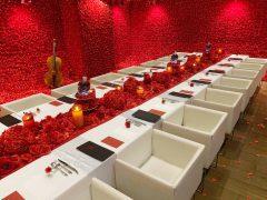 【会期延長!】4万本の薔薇に囲まれた異空間五感で楽しむ没入型エンターテイメント「喰種レストラン」